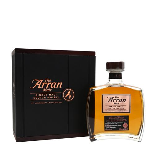 Arran 21st Anniversary Edition Single Malt whisky van het eiland Arran. Nog 1 fles verkrijgbaar bij Het Whiskycollectief Online Webshop of bij whiskyspecialist Martin Stavleu van Wijnhandel van Welie in Gouda.