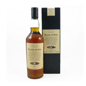 De 12 jaar oude Single Malt whisky van Blair Athol van de Flora and Fauna serie is zeer geliefd en gewild. Het is een bijzonder goede kwaliteit uit de goed aangeschreven serie Flora en Fauna uitgebracht door Diageo in de jaren '90. In totaal zijn er 26 single malts gebotteld op 43% en 7 single malt whisky's op Cask Strength. De complete serie van de whisky's op 43% is als volgt: